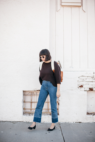 calivintage blogger sweater pants shoes sunglasses jewels bag backpack winter outfits
