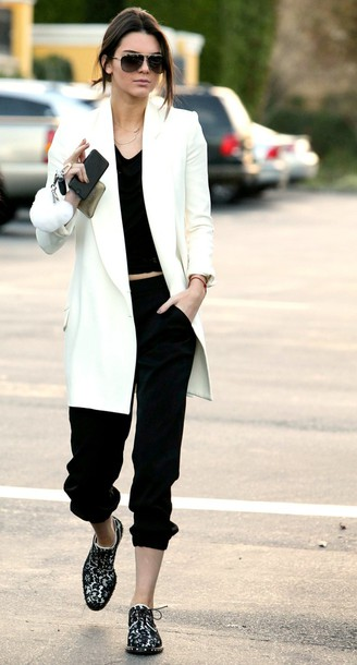 blazer kendall jenner white shoes top
