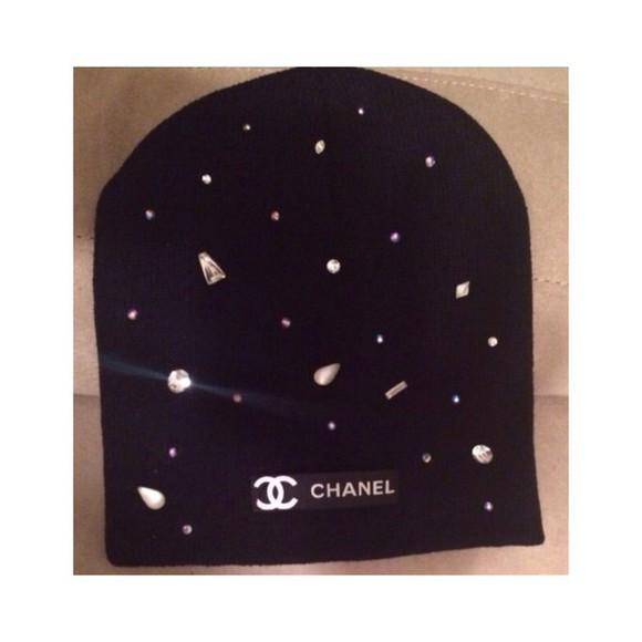 black sexy style beautiful tumblr chanel chanel inspired chanel logo black beanie diamonds tumblr girl white beanie winter hat