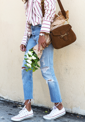 bag tumblr brown bag denim jeans blue jeans ripped jeans sneakers white sneakers low top sneakers converse white converse flowers shirt stripes striped shirt
