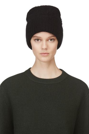 Black ribbed sloane sweatshirt