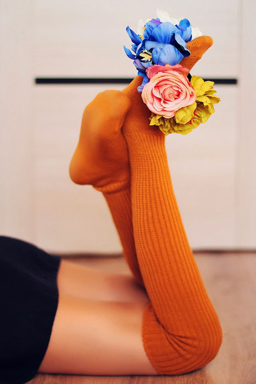 Scrunchy socks in dark orange