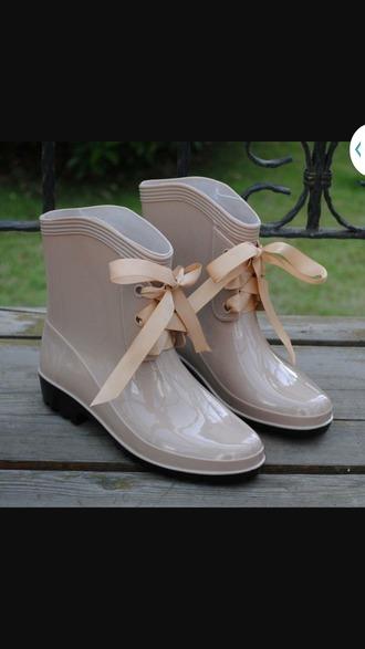 shoes rainboot bows tan