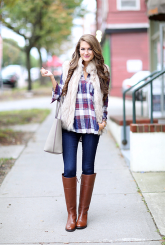 jacket plaid shirt white faux fur vest skinny jeans brown boots blogger grey bag
