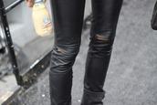 pants,leather,slit,knee,tight,skinny