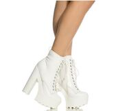 shoes,white booties,boots,booties,ankle boots,white,lace up,lug sole,cleated sole,cleated sole platforms
