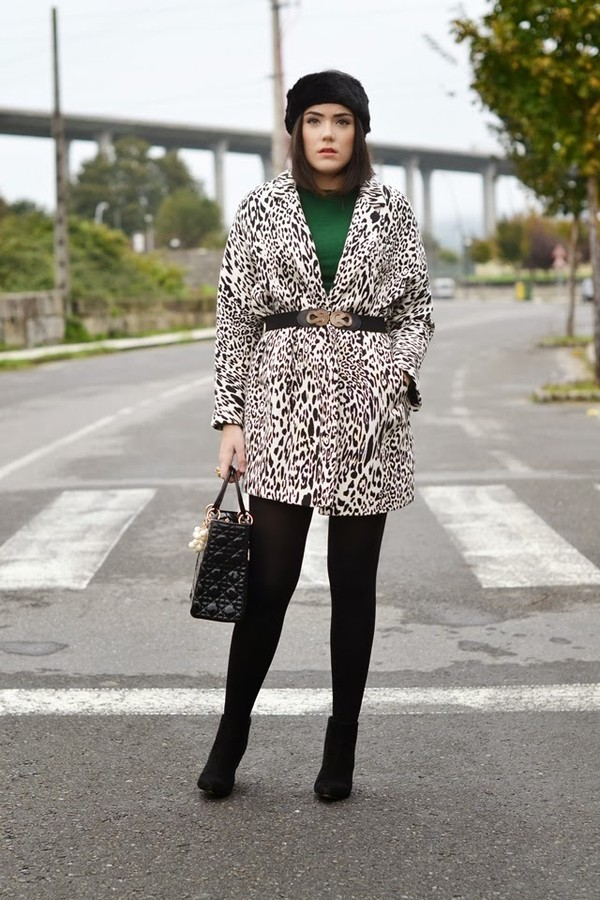 si las calles hablasen coat sweater bag jewels belt
