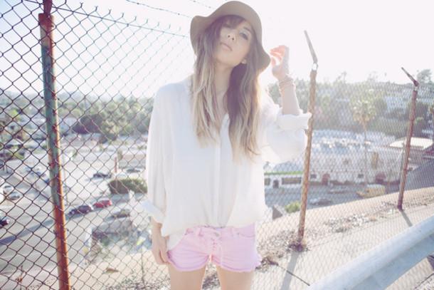 rumi fashion toast white blouse pink blouse