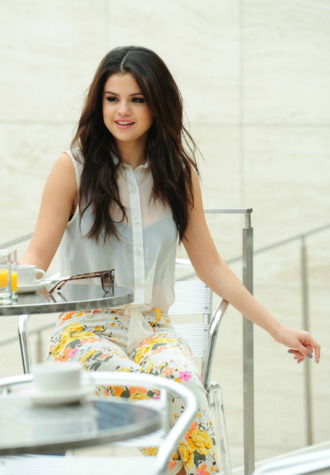 jeans top crop tops selena gomez shirt tank top transparent white white top white crop tops floral floral pants floral jeans see through see through shirt see through top flowers