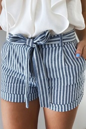 shorts,stripes,belt,bow,white,chambray shorts,blue,cute,fashion,style