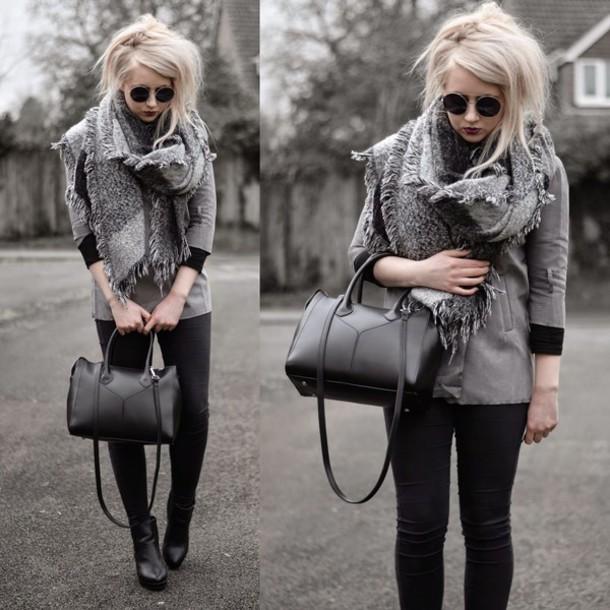 sammi jackson blogger grey scarf knitted scarf black pants
