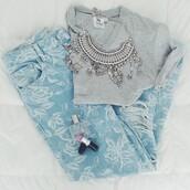 jeans,silver chandelier necklace,blue leave jeans,grey vneck,jewels