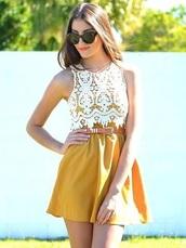 skirt,mustard