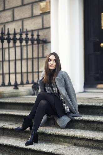anouska proetta brandon blogger gloves grey coat tartan grey coat