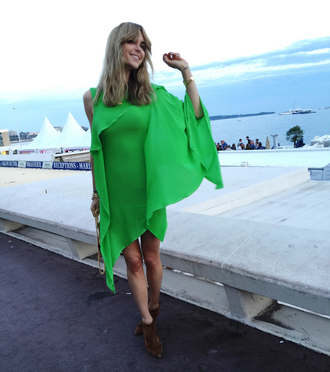 look de pernille blogger chiffon dress green dress suede boots