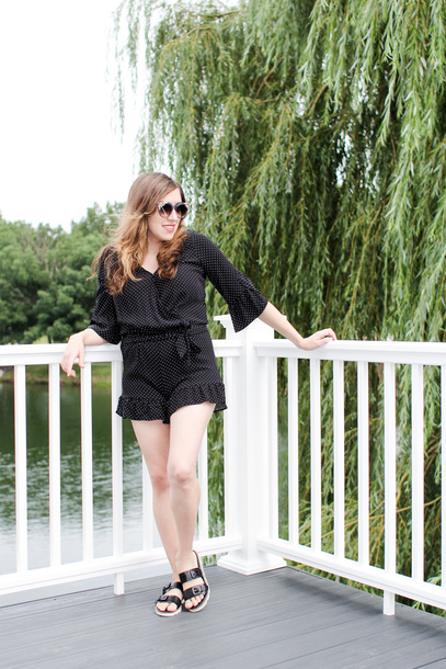 novelstyle blogger romper sunglasses shoes