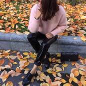 pants,tumblr,black pants,leather pants,black leather pants,vinyl,shoes,black shoes,bag,black bag,sweater,pink sweater,black vinyl pants