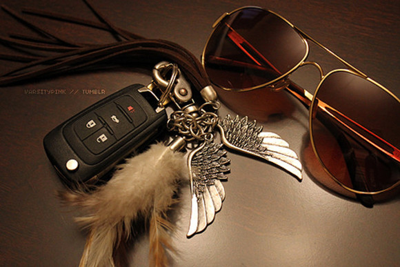 key key chain jewels feather wings bad love cute car silver