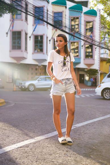 lovely pepa blogger t-shirt shoes bag sunglasses jewels