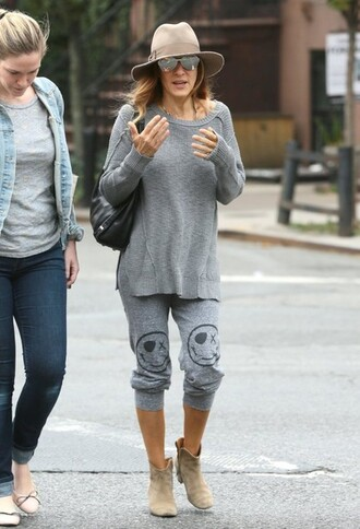 sarah jessica parker sweater fall outfits