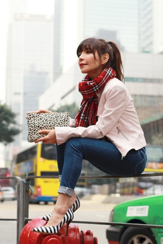 mochaccinoland blogger pointed toe tartan scarf pouch pink jacket jacket top jeans scarf bag shoes animal print bag