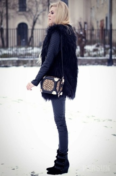 bag handbag leopard box clutch shoulderbag black clothes fashion boots fur coat