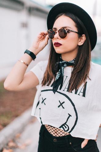 top tumblr hat bandana crop tops white top denim jeans black jeans sunglasses red lipstick lipstick bracelets gold bracelet jewelry gold jewelry