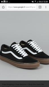 shoes,vans,old skool vans,black shoes,gum sole,sneakers,fashion