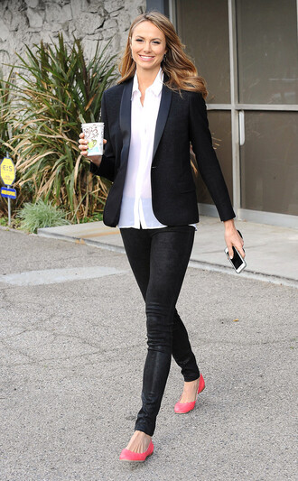 jeans celebrity work outfits work outfits office outfits black jeans stacy keibler celebrity style celebrity shirt white shirt blazer black blazer ballet flats flats pink flats