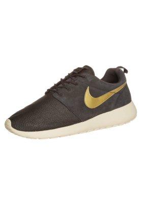 Nike sportswear roshe run suede