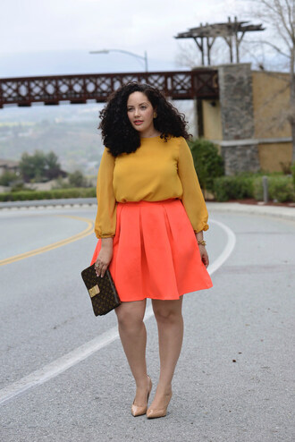 girl with curves blogger top skirt jewels bag shoes
