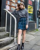 sweater,tumblr,turtleneck,turtleneck sweater,knit,knitted sweater,grey sweater,skirt,mini skirt,pleated,tartan,tartan skirt,boots,black boots,ankle boots,fall outfits