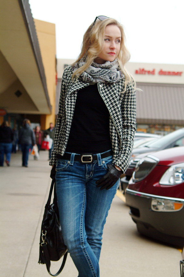 jacket black white jeans belt scarf bag casual outfit fall outfits winter outfits houndstooth turtleneck