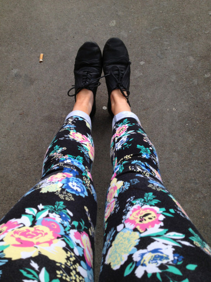 bright floral pattern pants floral jeans tumblr patterned flowers floral jeans bold clothing shoes leggings legging printed leggings