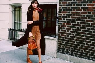 natalie off duty blogger long cardigan suede dress bucket bag brown leather bag