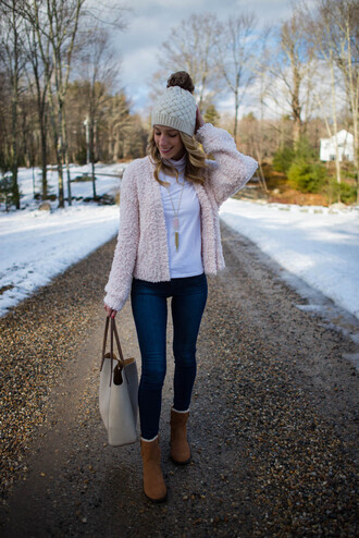 katie's bliss - a personal style blog based in nyc blogger cardigan jewels bag hat shoes jeans winter outfits beanie boots tote bag skinny jeans