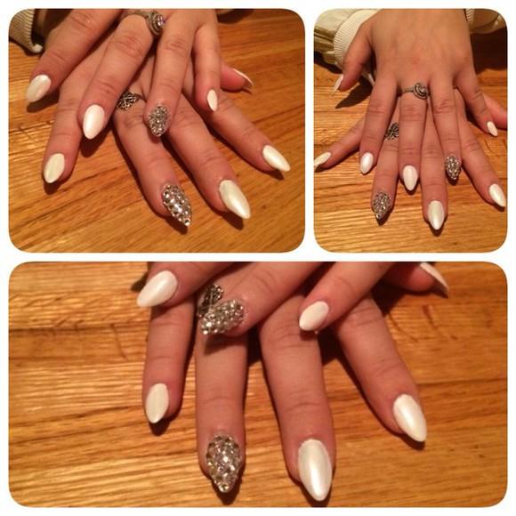 pearl nail polish nail