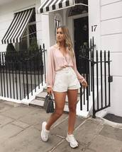shorts,white shorts,sneakers,blouse,bag