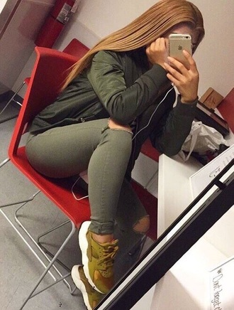 jeans khaki pants khaki huarache shoes sneakers trainers nike running shoes green kicks green shoes olive green
