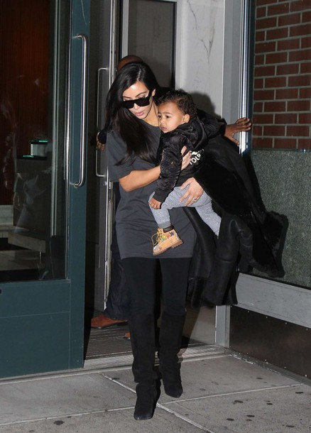 oversized t-shirt kim kardashian fall outfits top