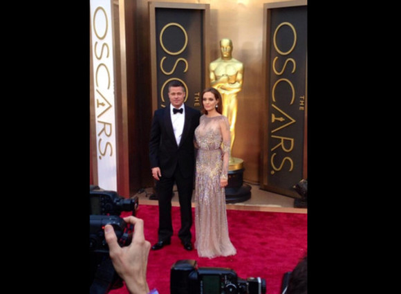 angelina jolie dress my favourite actors best couple king and queen brad pitt oscars 2014 beautiful dress