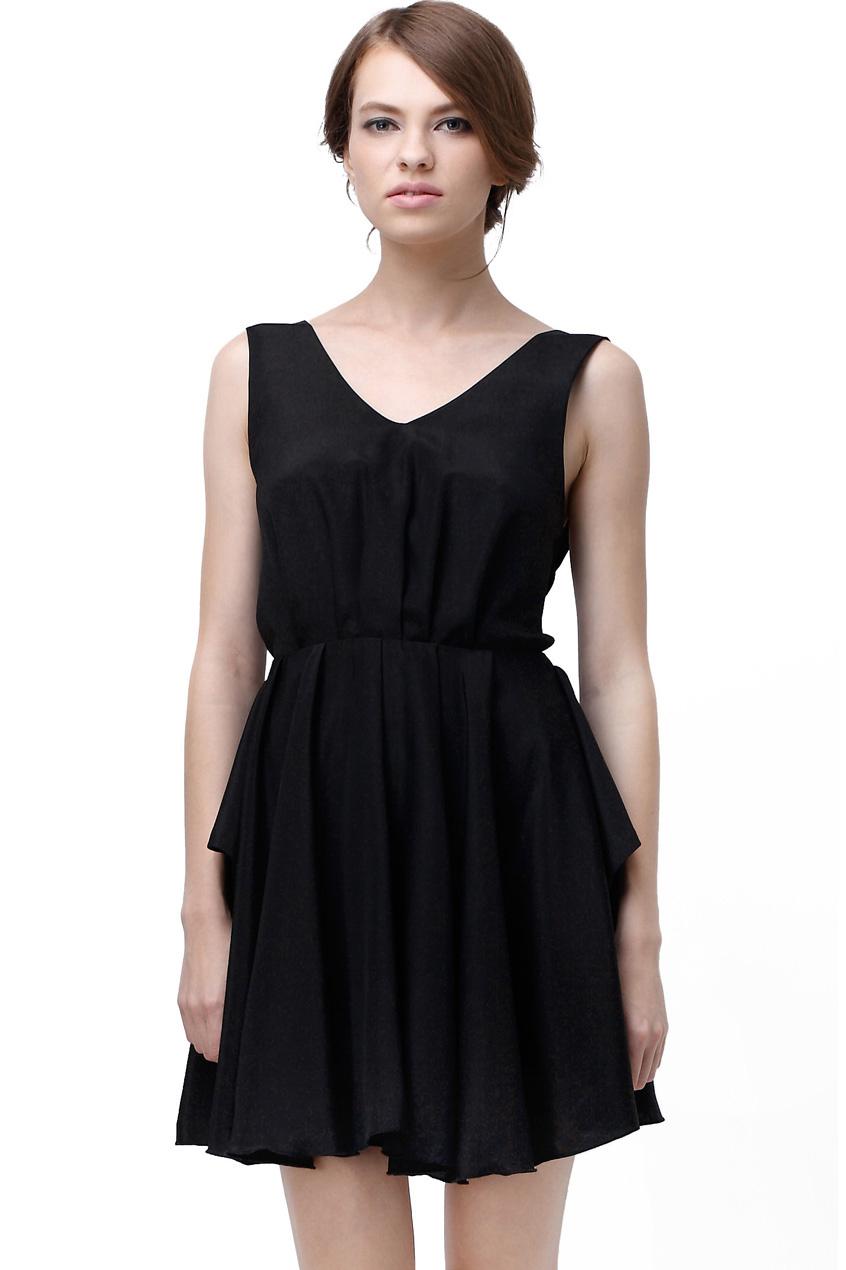 Black dresses with cutout backstreets