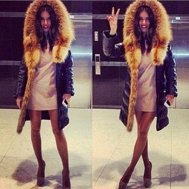 Coat Fur Fur Hood Black Quilted Winter Coat Moncler Luxury