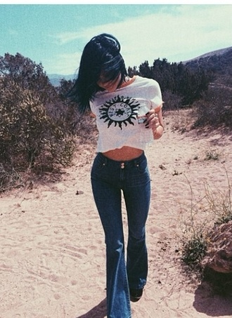 jeans shirt summer vintage jeans blouse t-shirt top kylie jenner high waisted jeans crop tops blue jeans torn ripped i need!!! kylie jenner white crop top blue