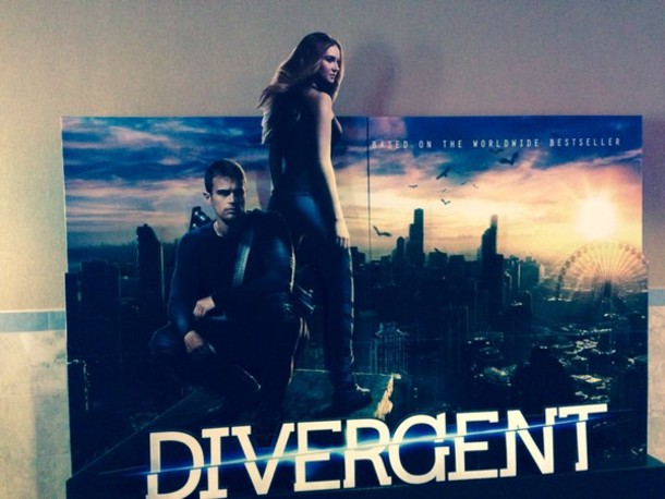 T-shirt: divergent, poster, tris, four - Wheretoget