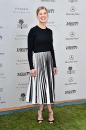 skirt,top,black and white,midi skirt,rosamund pike,pleated skirt
