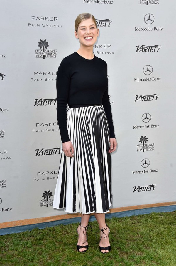 Skirt: top, black and white, midi skirt, rosamund pike, pleated ...