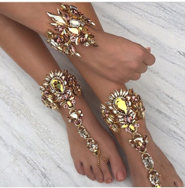 jewels anklet ankle jewelry jewelry feet jewelry feet accessories feet gypsy trendy trendy classy bikini barefoot sandals beach wedding crystal barefoot sandals body kandy couture beach wedding barefoot sandals rhinestones foot jewelry beach jewelry foot bracelet Indian foot bracelet ankle chain Soleless sandals gypsy wedding boho anklet Toe chain rings shoes pretty tumblr hipster cute indie jewels weheartit gold ankle bracelet gold bracelet shiny swarovski ankle cuff boho jewelry