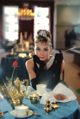 hair accessory audrey hepburn actress black dress dress gloves long gloves statement necklace necklace pearl necklace hairstyles retro