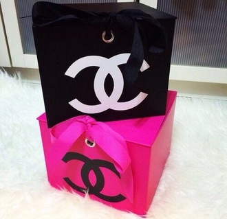 home accessory box chanel pink black